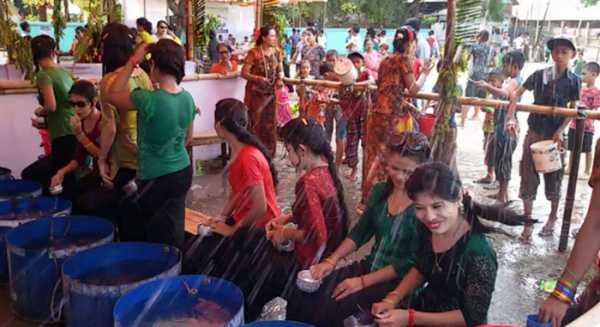 'সাংগ্রেং' উৎসবের শেষ দিনে রাখাইন পল্লীতে উচ্ছ্বাস
